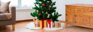 Decoración navideña con muebles rústicos